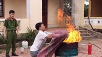 Tuyên truyền kỹ năng phòng chống cháy nổ cho giáo viên, học sinh