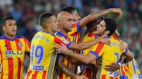 Hủy diệt Betis 6-3, Valencia áp sát ngôi đầu của Barca