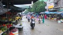 Tiểu thương chợ Vinh vực dậy kinh doanh sau ngập lụt