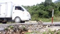 Sạt lở nghiêm trọng trên Quốc lộ 16