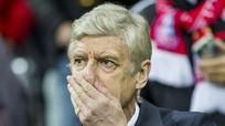 HLV Wenger đối diện án phạt của FA do vạ miệng