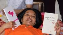 Ra mắt tự truyện của cô gái gần 20 năm chiến đấu với ung thư tủy sống