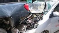 Taxi gây tai nạn liên hoàn trong thành phố