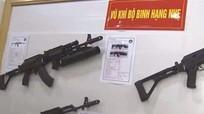 Lộ diện hai mẫu súng cực lạ do Việt Nam sản xuất