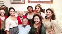 Cựu tổng thống Bush xin lỗi vì sàm sỡ phụ nữ
