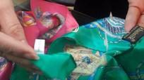 Tịch thu nhiều sản phẩm tại cửa hàng Khaisilk