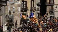 Hoãn tuyên bố độc lập, lãnh đạo Catalonia bị gọi là 'kẻ phản bội'