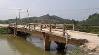 Hiểm họa tiềm ẩn từ 3 cây cầu 'già' ở Yên Thành