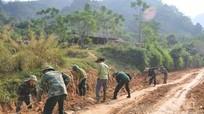 Huy động 200 ngày công tu sửa 4km đường giao thông sau mưa lũ