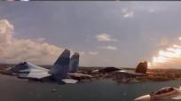 Su-30SM của Nga phô diễn những động tác bay cực lạ