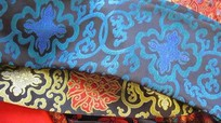 Khăn tơ tằm 'Made in China' về Việt Nam giá chỉ 30.000 đồng