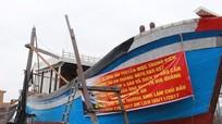 Nghi Lộc: Đóng mới và hạ thủy các 'tàu 67' khai thác kiêm hậu cần nghề cá