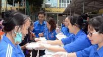 700 bát cháo tình thương đến với bệnh nhân nghèo