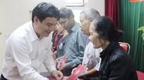 Bí thư Tỉnh ủy dự ngày hội đại đoàn kết của khối 4, phường Trường Thi, TP. Vinh
