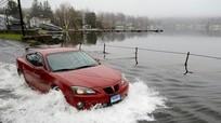 Ô tô chết máy vì bị ngập nước, khởi động thế nào?