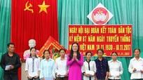 Lãnh đạo Ủy ban MTTQ tỉnh dự ngày hội đại đoàn kết ở xã Diễn Bình