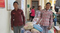 700 chăn ấm tặng bà con Đan Lai