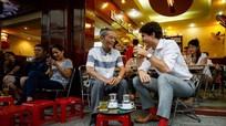 Quán cà phê cóc ở TP HCM 'hot' sau khi Thủ tướng Canada ghé thăm