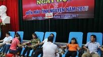 Hơn 600 tình nguyện viên huyện Quỳ Châu tham gia ngày hội hiến máu