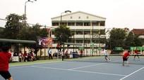Giải Quần vợt Trường Đại học Vinh tặng 155 triệu đồng cho sinh viên nghèo