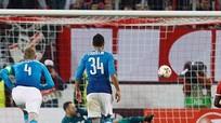 Arsenal bại trận vẫn đứng đầu bảng Europa League
