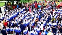 Trao tặng 455 áo ấm đồng phục cho học sinh vùng cao
