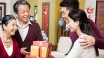 Món quà biếu tết cao cấp và ý nghĩa cho người lớn tuổi
