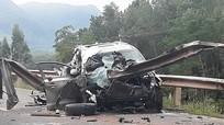 Thanh chắn xuyên dọc xe, 2 người chết