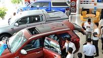 Khách Việt chê nhân viên bán xe chăm sóc chưa tận tình
