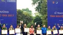 CLB Hỗ trợ bệnh nhân nghèo ĐH Y khoa Vinh nhận giải thưởng tình nguyện quốc gia