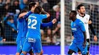 Nhận thất bại đầu tiên, Valencia lỡ cơ hội bám đuổi Barca