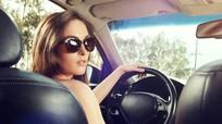 Phụ nữ hay quên 7 công nghệ hữu ích khi lái xe