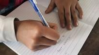 Cách người Mông Nghệ An giữ gìn chữ viết dân tộc mình