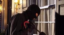 Bắt đối tượng đột nhập vào nhà bắt cóc trẻ em