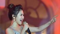 Hương Tràm được khen ngợi khi hát tiếng Hàn Quốc