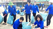 Hơn 160 thanh niên dọn sạch biển Cửa Lò
