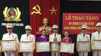 75 cán bộ, chiến sĩ công an được trao tặng Huy chương