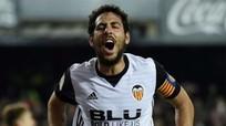 Valencia thu hẹp khoảng cách với Barca xuống còn hai điểm