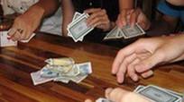 Nữ cán bộ Ban Tuyên giáo bị khai trừ Đảng vì đánh bạc