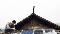 'Phao trong lũ' lắp hệ thống điện gió cho điểm trường biên giới Nghệ An