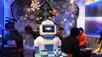 Robot 'made in Việt Nam' đang phục vụ cà phê tại Hà Nội
