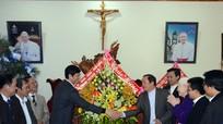Phó Chủ tịch UBND tỉnh chúc mừng các cơ sở Công giáo nhân dịp Giáng sinh