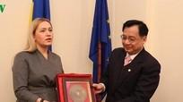 Đại sứ Việt Nam tại Ukraine làm việc với Chủ tịch Nhóm Nghị sỹ hữu nghị