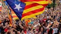 Dân Catalonia bước vào cuộc bầu cử lịch sử