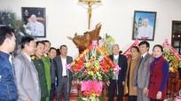 Huyện Nghi Lộc chúc mừng Tòa giám mục giáo phận Vinh nhân dịp Noel