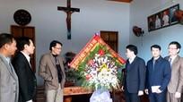 Phó Bí thư Tỉnh ủy chúc mừng giáo dân Anh Sơn nhân dịp Noel