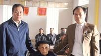 Trao Huy hiệu 70 tuổi Đảng cho đảng viên lão thành