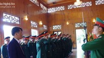 Bộ CHQS tỉnh dâng hương tại Khu Di tích Kim Liên