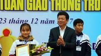 Nữ sinh Trường THPT Nguyễn Xuân Ôn giành giải Nhất cuộc thi Rung chuông vàng về ATGT