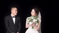 Hậu vệ Âu Văn Hoàn tung ảnh cưới tuyệt đẹp